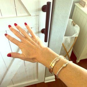 Jewelry - Bronze bangle
